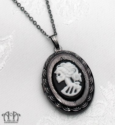 Gothic Lolita Skeleton Cameo Locket Necklace Lady Skull Gunmetal Black White D26