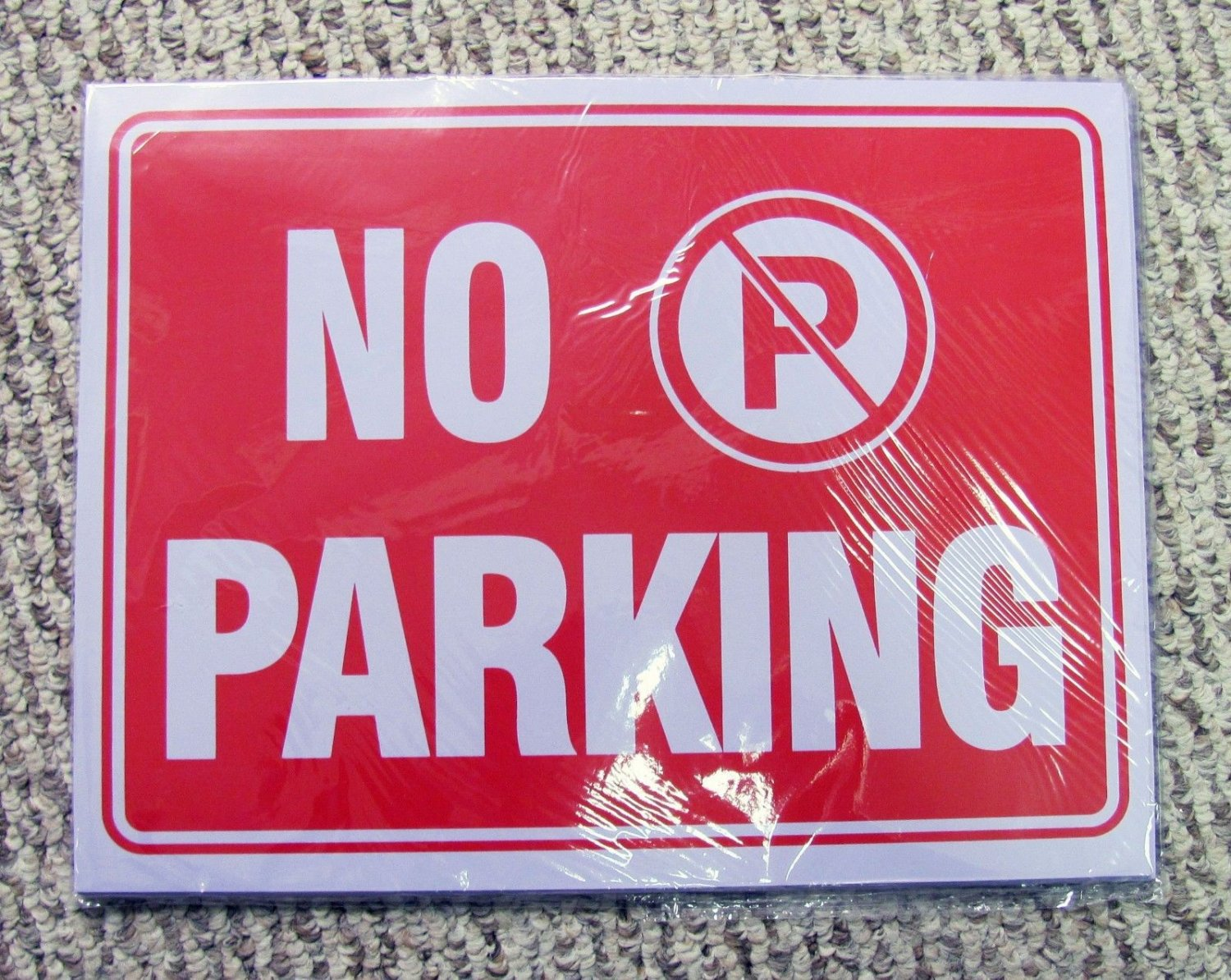 No Parking Signs 24-Pack Plastic 9 x 12 Red White Sign