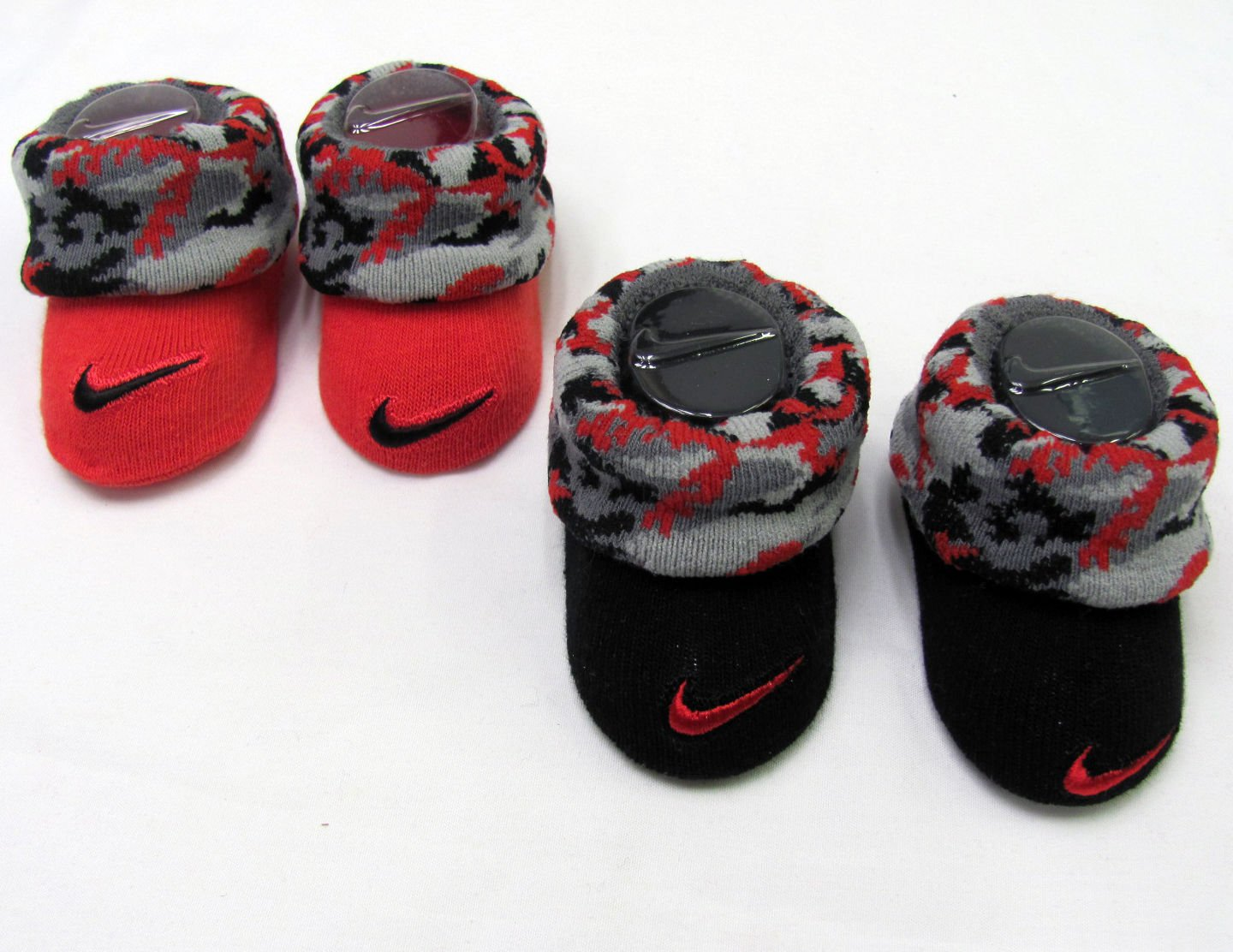 Nike infant booties 0 6 months gray black red camo socks 2 pair