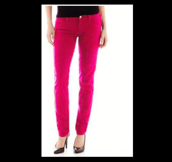 Arizona Juniors size 0 Super Skinny Jeans Pink Power Colored Denim