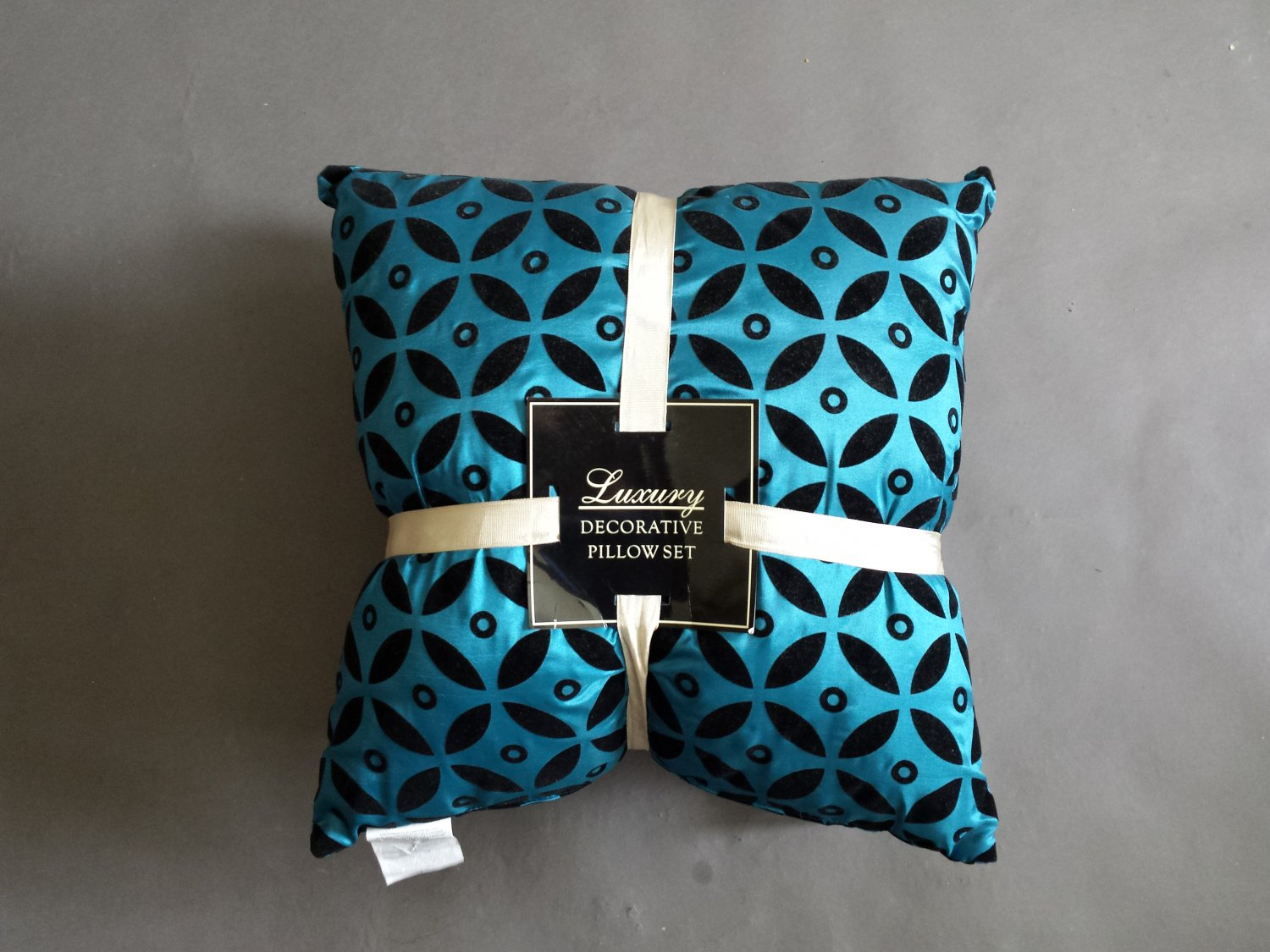 Teal And Black Decorative Pillows : Luxury Decorative Teal and Black Pillow Set (2)