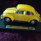 1967 VOLKSWAGON BEETLE GREAT DETAILS..BRIGHT YELLOW. 1:18 DIECAST..NEW IN BOX