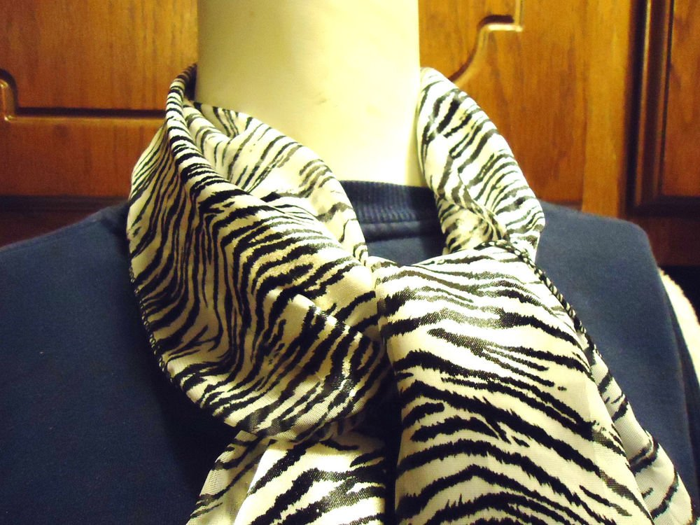 ZEBRA LOOK  DESIGN POLYESTER LADIES  SCARF NICE.BLACK/GRAYISH WHITE...SO BRIGHT