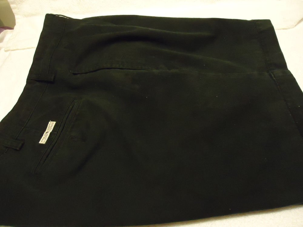 MEN'S POLO RALPH LAUREN CHINO STYLE MEN'S BLACK PLEATED SHORTS.....SIZE 38