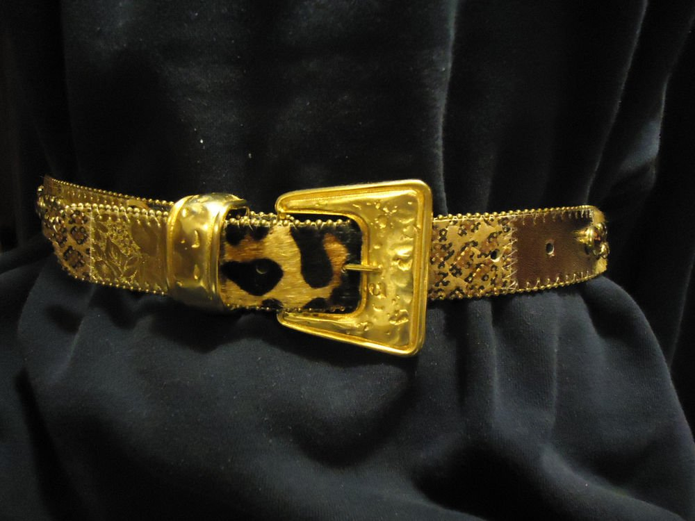WOMENS/GIRLS RHINESTONE/FAUX STUNNING BELT...LARGE GOLD METALLIC BUCKLE..SIZE S