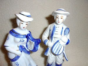 VINTAGE COLONIAL COUPLE FIGURINES PLAYING MUSICAL INSTRUMENTS...BLUE/WHITE/GOLD