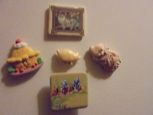 VINTAGE REFRIGERATOR MAGNETS....LOT 9..CAT, PIG, ETC..(B-98)