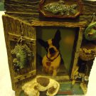 "NICE DOG & DECOR SMALL PICTURE FRAME-RESIN WITH RAISE FIGURES- 4 1/2""X 3 1/2"""
