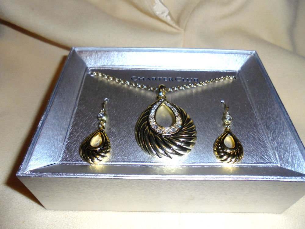 CHARTER CLUB NECKLACE & EARRING SET..NICE...GOLDTONE & RHINESTONES...NEW