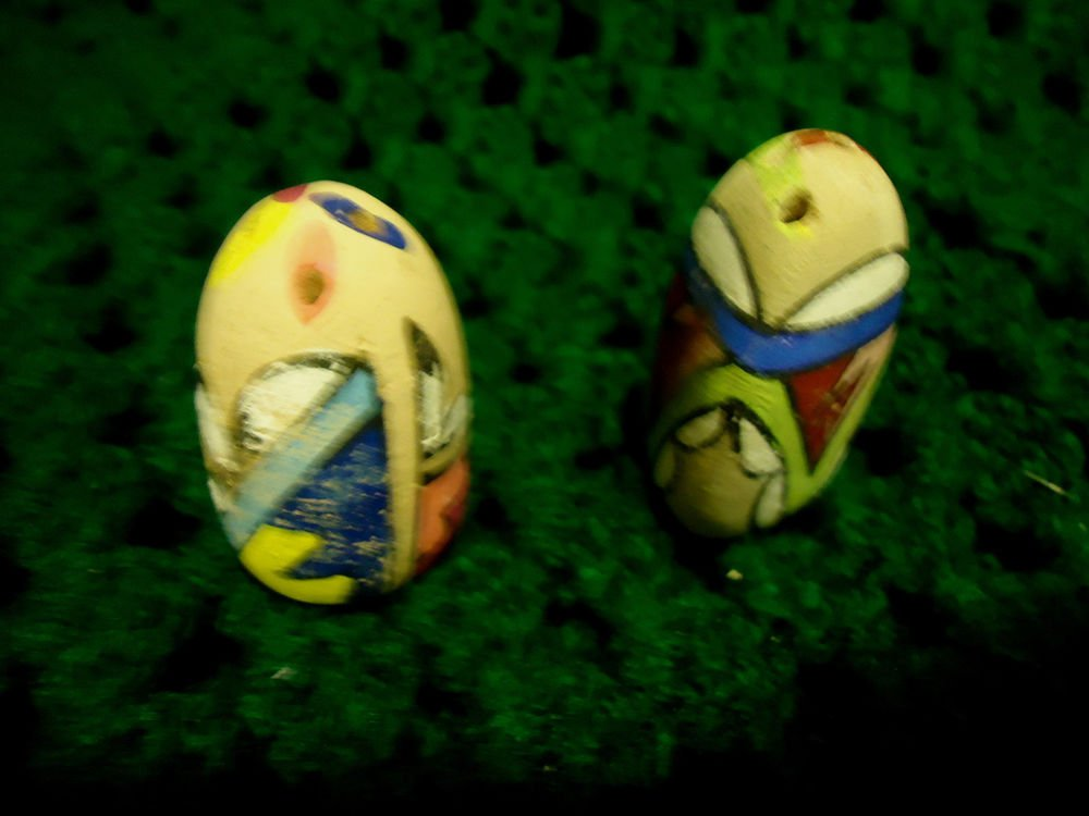 "HANDPAINTED CERAMIC  UNIQUE DESIGN SALT & PEPPER SHAKERS..1 1/2"" TALL...SMALL"