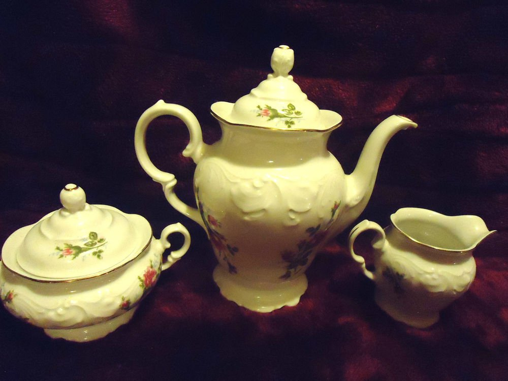 ROYAL KENT..POLAND..TEA POT, CREAMER & SUGAR BOWL....FLORAL ROSE...5 PC SET