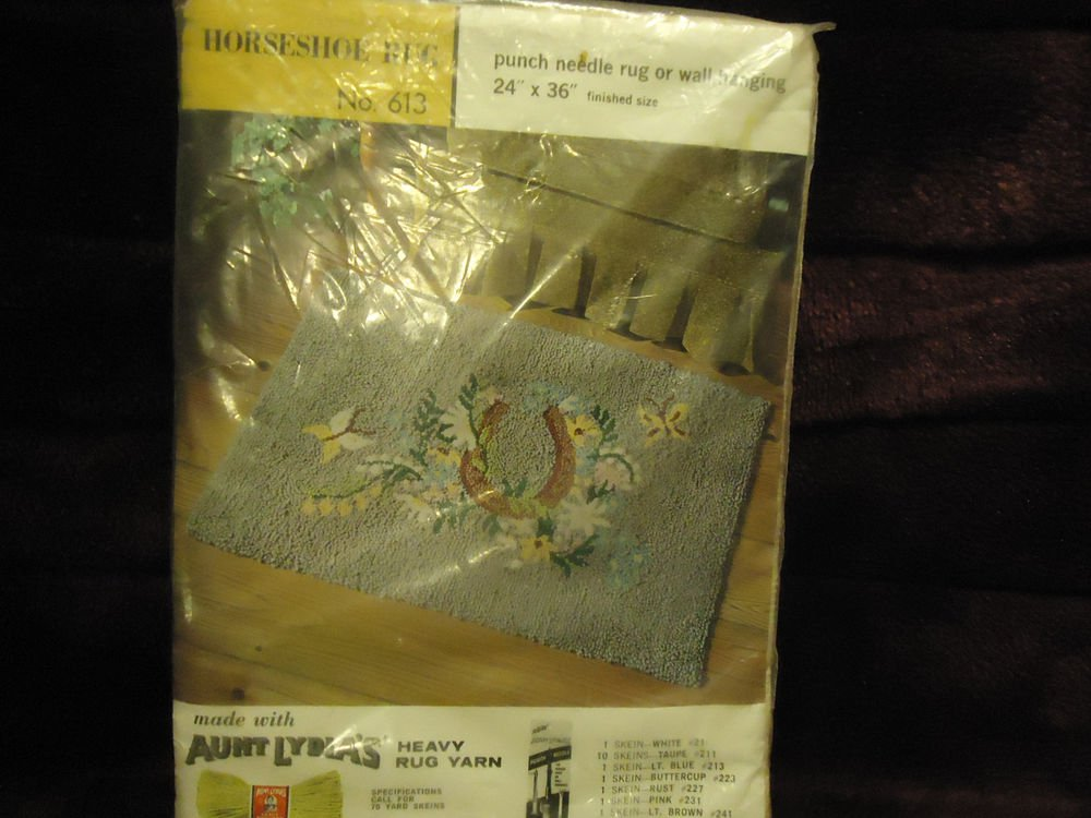 "HORSESHOE..AUNT LYDIA'S PUNCH NEEDLE/WALL HANGING KIT...#613...24"" X 36"""