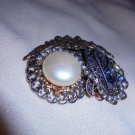 VINTAGE  MULTICOLOR w FAUX PEARL & RHINESTONE PIN/BROOCH WITH ANGELS ON TOP