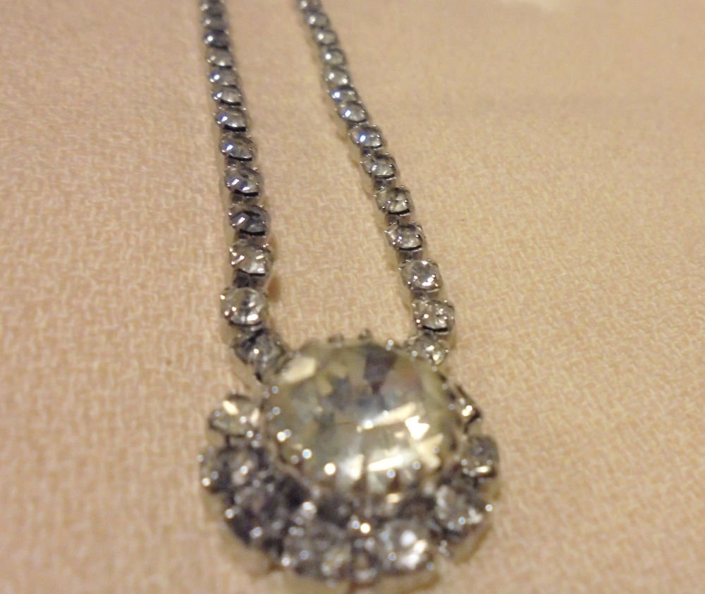"""EMMONS RHINESTONE PENDANT NECKLACE SIGNED 19""""UNIQUE...INCLUDED SET OF EARRINGS"""