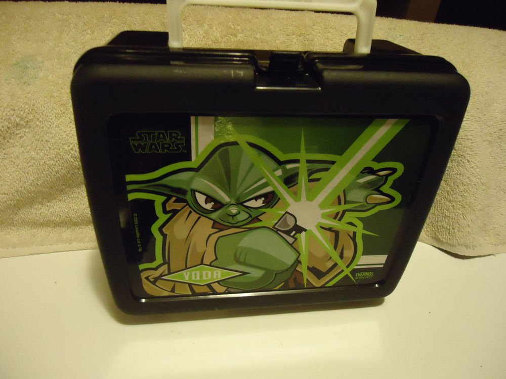"""""""YODA"""" STAR WARS THERMOS BRAND HARD PLASTIC LUNCH BOX WITH THERMOS...."""