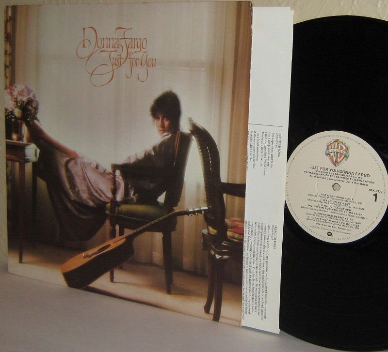 1979 DONNA FARGO LP Just For You  - Ex  / Ex with lyrics inner sleeve