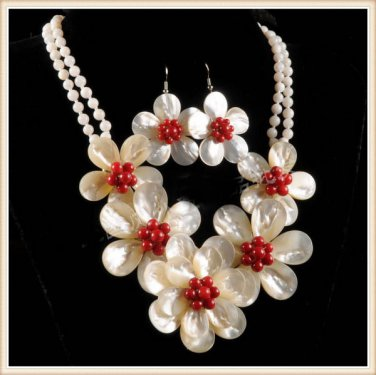 J1  Handmade Chunky Mother of Pearl MOP Flowers Necklace Choker plus matching Earring
