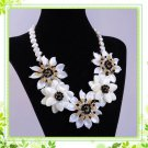 J5   Handmade Chunky Mother of Pearl MOP Daisy Flowers Choker + earrings
