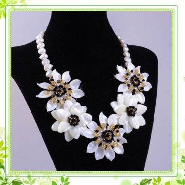 J5   Handmade Chunky Mother of Pearl MOP Daisy Flowers Choker + earrings