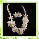 J7   Handmade Chunky Jewelry Mother of Pearl MOP White Daisy Flowers Choker plus earrings