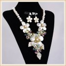 J10  Handcrafted Chunky Jewelry Mother of Pearl MOP Crystal 5-Petals Flowers Choker