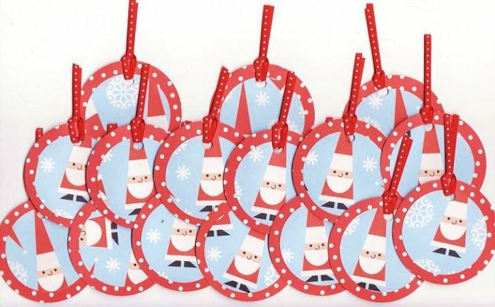 Set of 16 Christmas Santa Gift or Hang Tags