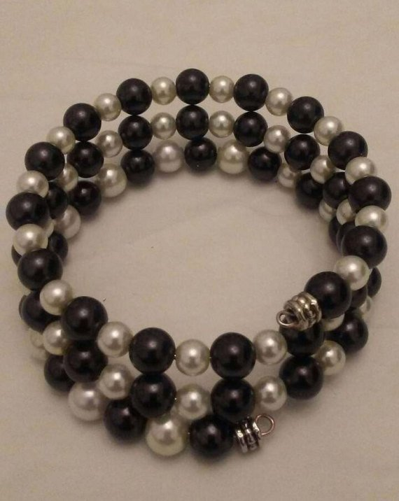 Black and White Pearls Memory Wire Bracelet
