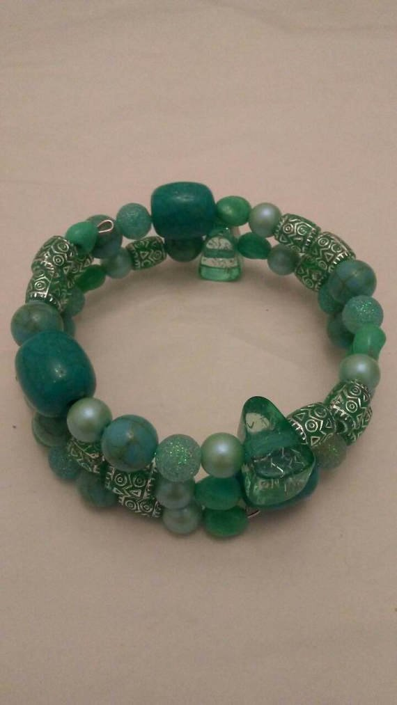Green Acrylic Beads Memory Wire Bracelet