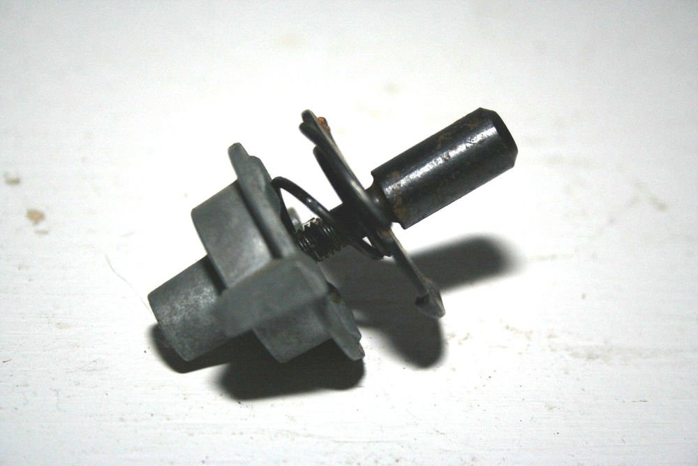 Vintage Singer Sewing Machine Cabinet Mounting Kit Hardware Attachment