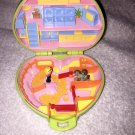 RARE VINTAGE 1989 Polly Pocket Pony Club Green Heart Compact w/Figures