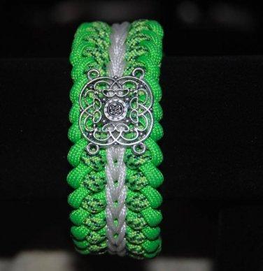 Paracord Bracelet With Celtic Emblem