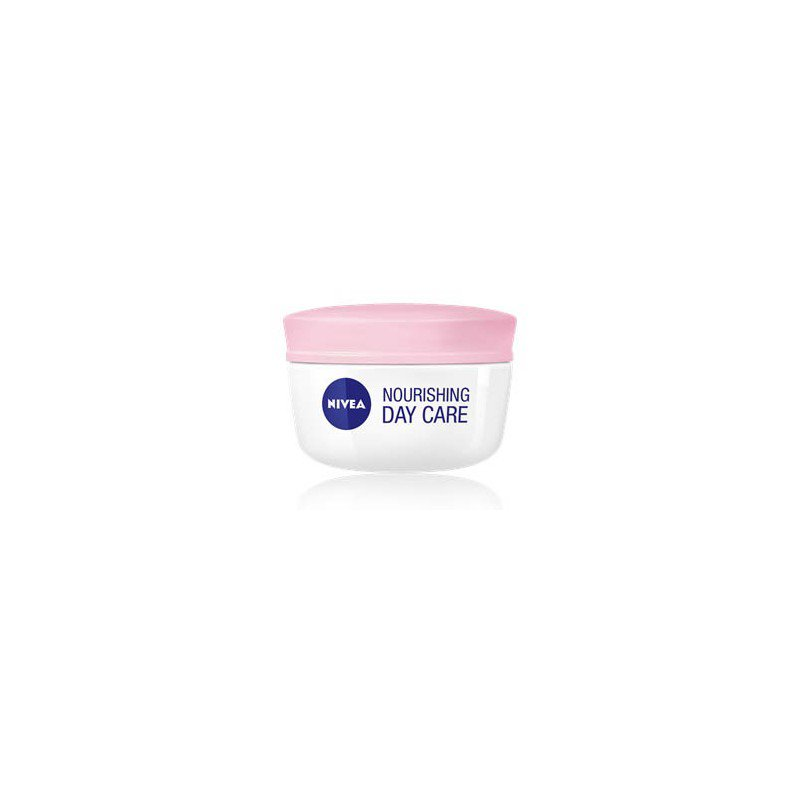 Nivea Moisturizing Day Cream SPF15 DRY SKIN 50ml
