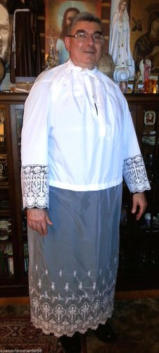 "Alb Vestment Lace Beau Veste Custom Lace Sleeves 7 1/2"", Lace Bottom 42"""