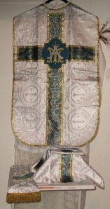 Marian Chasuble Set Fiddleback Vestment Latin Mass NEW White/Silver Brocade