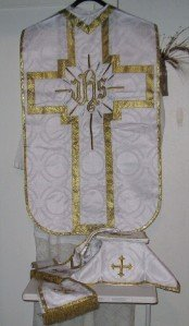 White Chasuble Set Fiddleback Vestment Latin Mass + Stole,Maniple,Veil, Burse