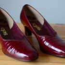 Selby Vintage Red Classic Heel Size 9.5 Upper Leather Shoe Snake Print