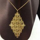 SARAH COV SIGNED VINTAGE GOLD TONE DIAMOND SHAPED NECKLACE