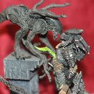 Aliens vs Predator ALIEN ATTACKS PREDATOR action figure set