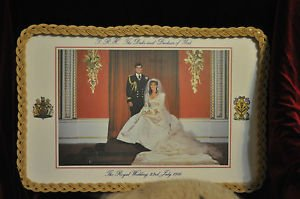 ROYAL WOODEN TRAY CELEBRATING THE MARRIAGE OF PRINCE ANDREW AND SARA FERGUSON
