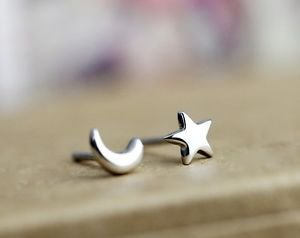 "New100% 925 Sterling Sliver Cute""STAR AND MOON"" Stud Earring One Pair Beautiful"