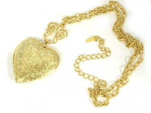 Casting Heart Locket Necklace