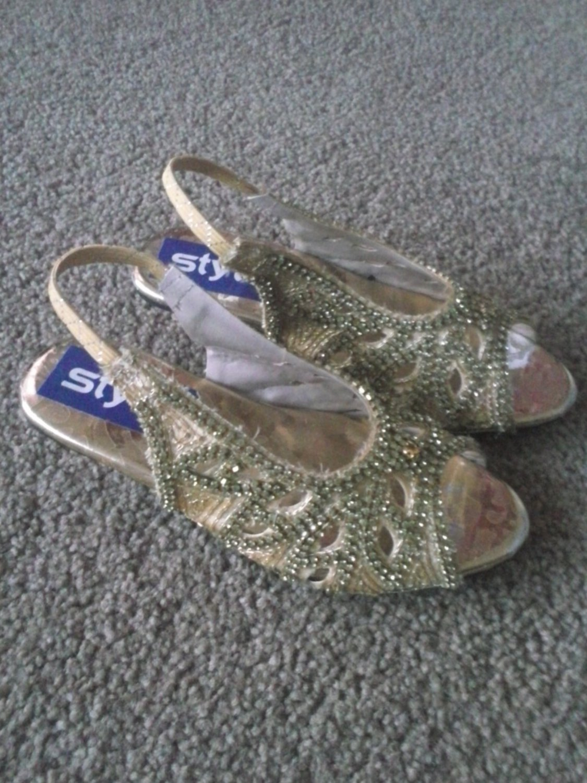 Kids Gold Heeled Diamonte Sandals