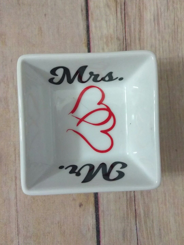 Mr and Mrs wedding gift ring dish - ring dish - trinket