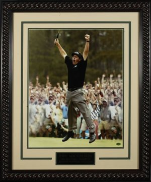 PHIL MICKELSON HAND-SIGNED 16X20 MASTERS PHOTOGRAPH