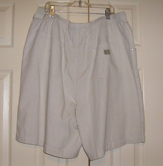 Bill Blass JeansWear Womens White Shorts 22W New