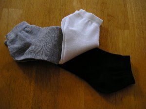 NEW Womens Sports Socks 3 Pair Lot Black White Gray!