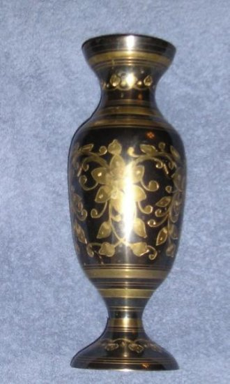 Black & Gold Brass Vase - Stunning & Stylish Gift WoW!