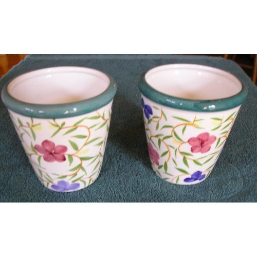 Planter Set White with Floral Design 2 in LOT Vintage!