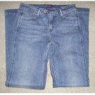 Womens Levi's Demi Curve Classic Flare Jeans Size 6/28 Medium Wash 31 Inseam EUC