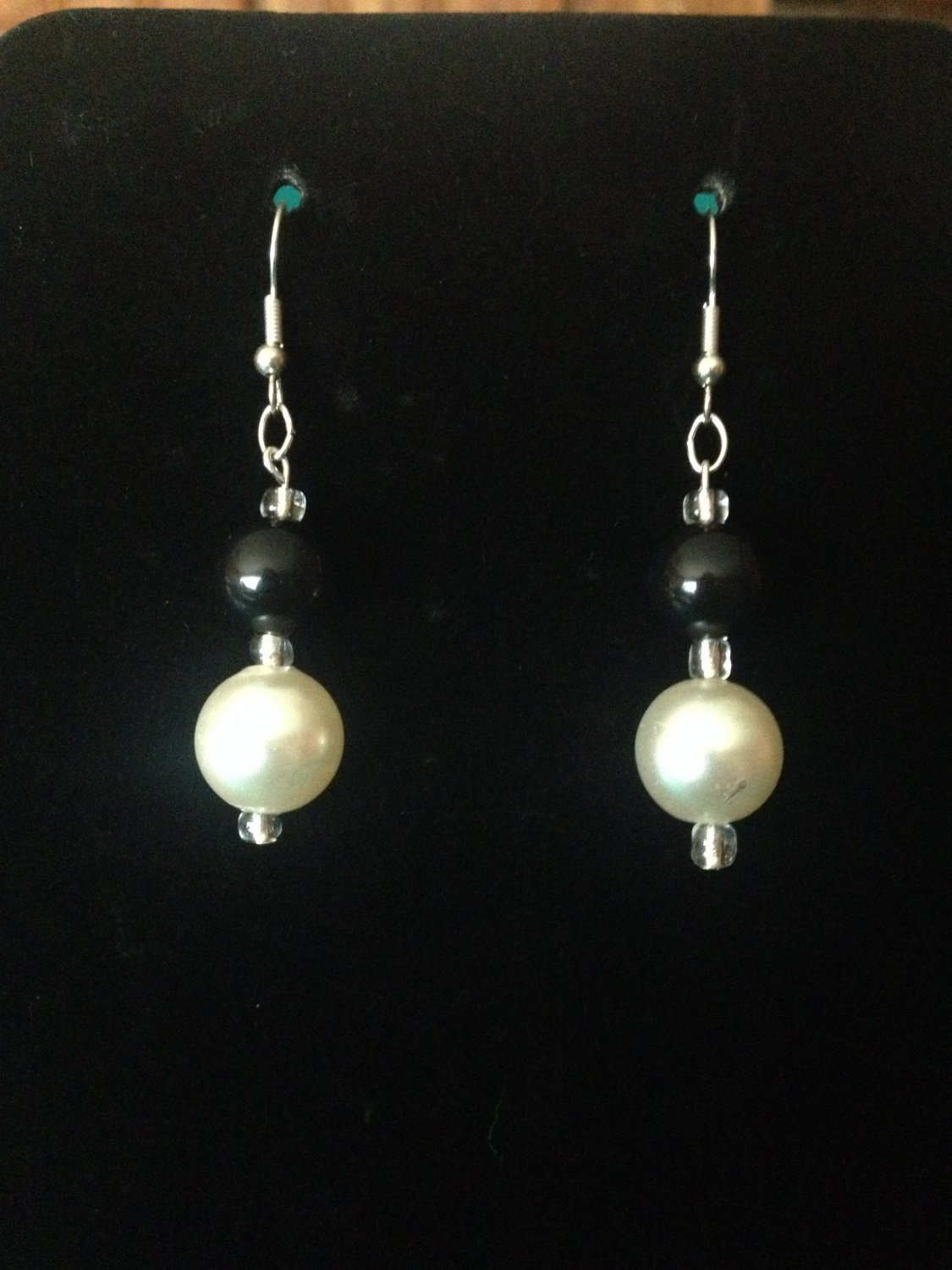 White and Black Pearl Earrings